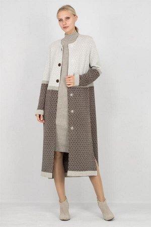 осеннее вязанное пальто
