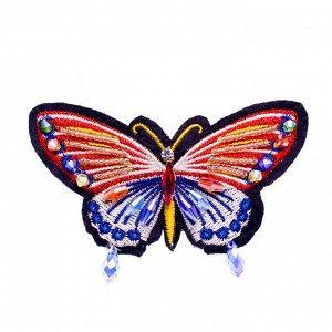 Брошь из бисера ручной работы 'Красная бабочка'