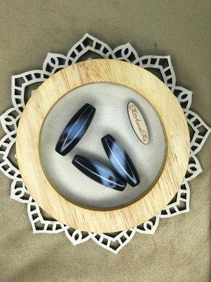 Крыло Орла Тибетсткая бусина Дзи  - Дзи Крыло орла  Орел является олицетворением силы, меткости, а также главенства. Олицетворение силы, победы и отваги, помогает добиться успеха. Он привлекает справе