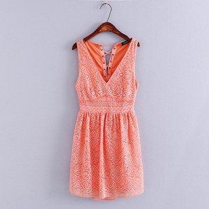 Платье, размер 42-44, сзади шнуровка и открытая поясница
