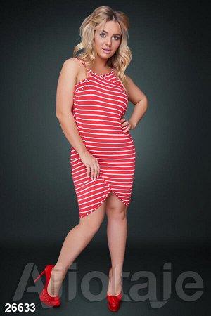 Пляжное платье красного цвета в белую полосочку