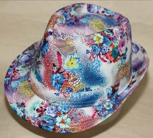 Шляпа цветная