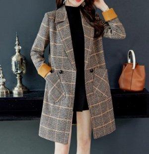 Пальто Пальто, оформленное воротником с лацканами, смесь шерсти/полиэстер. Размер (обхват груди, обхват талии, длина изделия, см): S (96,92,89), M (100,96,90), L (104,100,91), XL (108,104,92), 2XL (11