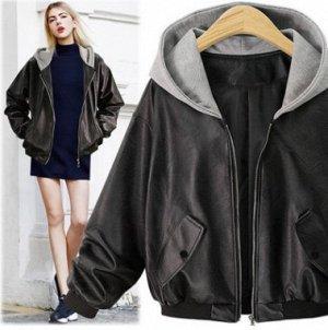 Куртка Куртка, оформленная длинными рукавами и капюшоном, искусственная кожа/полиэстер. Размер (обхват груди, длина рукава, длина изделия, см): XL (112,46,61), 2XL (118,47,62), 3XL (124,48,63), 4XL (1