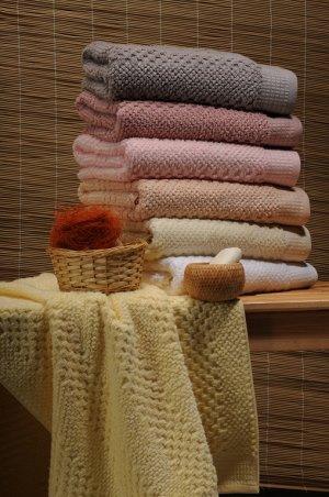 Полотенце Плотность-500 гр/м2 Данная модель изготавливается по специальной технологии Baby Skin, что делает полотенца непревзойденными по мягкости при тактильном восприятии. При этом текстурно-фактурн