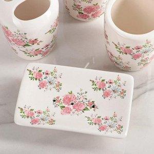 Набор аксессуаров для ванной комнаты «Розовые розы», 4 предмета: дозатор 300 мл, мыльница, 2 стакана