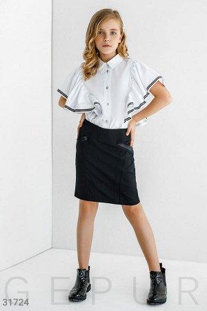 Блуза с эффектным воланом