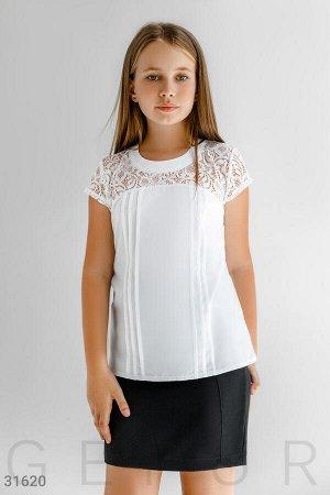 Блуза с кружевным декором