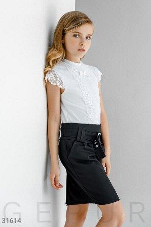 Прямая юбка с пряжкой