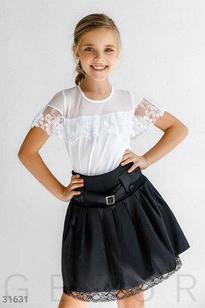 Объемная юбка с пряжкой