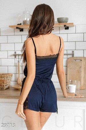 Шелковая пижама с кружевом