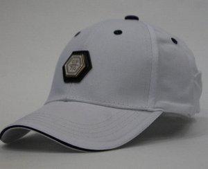 Бейсболка с логотипом