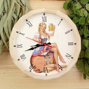 """Часы банные бочонок """"Добропаровъ. Дама с пивом"""""""