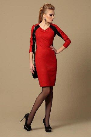 Платье Платье Divina 1.927  Рост: 164 см.  Платье приталенного силуэта с рукавом реглан и V-образным вырезом. В платье сочетаются два вида ткани - гладкий трикотаж и мягких двухсторонний жаккард с ме