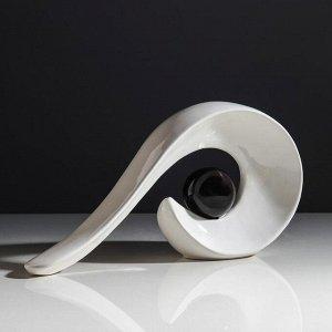 """Ваза настольная """"Йога"""". белая с чёрным шаром. 18 см. керамика"""