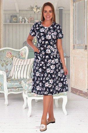 Платье 573 Ткань: кулирка; Размеры: 60, 62 Пестрое летнее платье из кулирки. Короткие рукава, по бокам накладные карманы, несколько вариантов расцветки, общая длина чуть ниже коленей. Размеры от 48 до