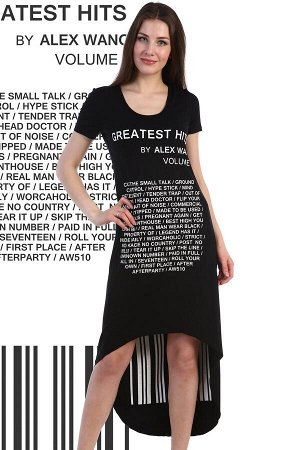 Платье Хит Ткань: вискоза Состав:  вискоза 95%, лайкра 5% Размеры: 42, 44 Элегантное платье из вискозы. Короткие рукава, общая длина спереди до коленей, сзади существенно длиннее. Принт в виде надписе