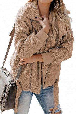 Бежевая меховая куртка-жакет с застежкой на молнию и поясом
