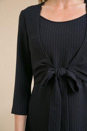 Платье Размерный ряд: 42-54 Состав ткани: полиэстер77%, вискоза20%, эластан3% Длина: 108 см. Описание модели Темно-синее платье в полоску, отрезное по линии талии, имеет круглый вырез горловины, ру
