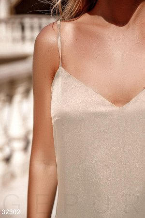 Легкое шелковое платье