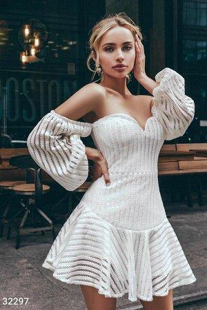 Белоснежное короткое платье