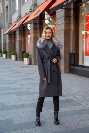 Пальто Пристрой от участника, к.т. 89084405296  Зимнее пальто, до -15 от российского бренда Liara.  Микроворс 80% шерсть, 20 % ПЭ. Утеплитель: шерстипон. Мех : песец съемный Длина 110 см. На высокий р