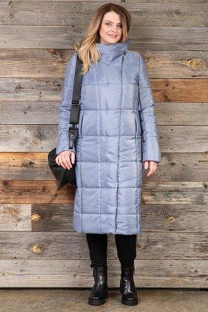 Пальто Пальто женское из плащевой стеганой ткани с водоотталкивающей пропиткой. Рост: 168 Силуэт: полуприлегающий Размерная сетка: соответствует размеру Утеплитель: 120 г./кв. м. синтепона Застежка: к