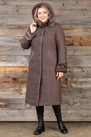 Пальто Описание товара: Пальто женское из плащевой стеганой ткани с водоотталкивающей пропиткой. Рост: 168 Силуэт: Lady + Размерная сетка: большемерит на один-два размера Утеплитель: шерстикрон 150 г.