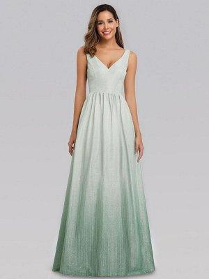 Вечернее длинное светло изумрудное платья с V-образным вырезом