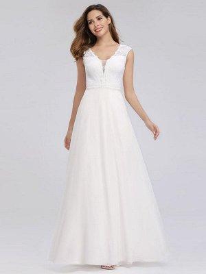 Элегантное длинное белое свадебное платье с кружевным принтом