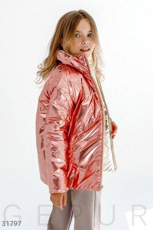 Яркая стеганая куртка