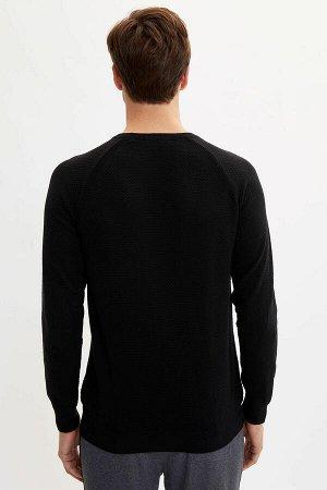 Пуловер черный