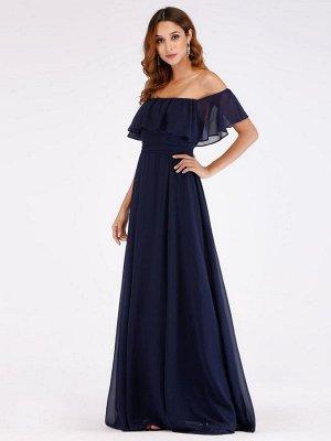 Вечернее длинное  синее платье с открытыми плечами  и разрезом