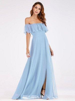 Вечернее длинное  голубое платье с открытыми плечами и разрезом