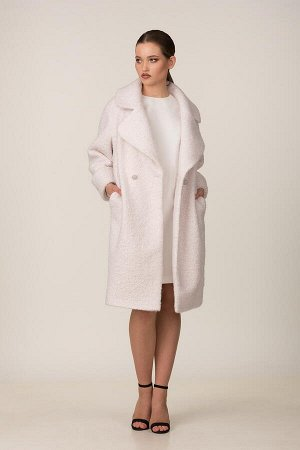 Пальто Пальто Rosheli 679 пудра  Состав ткани: Вискоза-20%; ПЭ-30%; ПАН-50%;  Рост: 164 см.  Двухбортное пальто из мягкой пальтовой ткани на подкладке. Объемность, крупные детали, мягкость и фактура