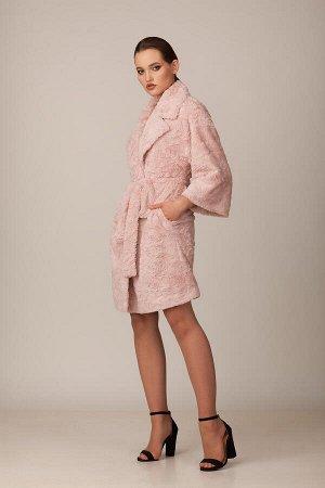 Пальто Пальто Rosheli 682 пепел роза  Состав ткани: ПЭ-100%;  Рост: 164 см.  Двухбортное пальто из мягкого меха на подкладке. Объемность, крупные детали, мягкость и необыкновенная фактура меха цвета