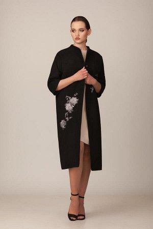 Пальто Пальто Rosheli 687 черный  Состав ткани: ПЭ-60%; Шерсть-40%;  Рост: 164 см.  Пальто из ткани под кашемир на подкладке. Современный силуэт «летучая мышь», роскошные аппликации цвета