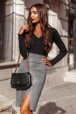 Короткая юбка серого цвета