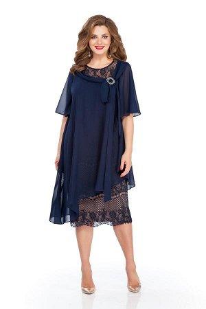 Платье Платье TEZA 235 т-синий  Состав ткани: Вискоза-20%; ПЭ-80%;  Рост: 164 см.  Платье трапециевидного силуэта с втачными рукавами. Верхний слой платья из мягкой струящейся ткани сильно расширен к