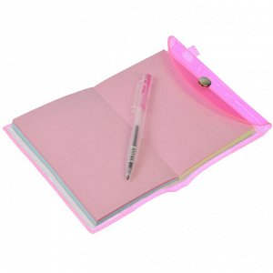 ClipStudio Записная книжка с ручкой 8х10,2 см 98л., пл. цв. прозр. обложка, кнопка, склейка, 4 цв.
