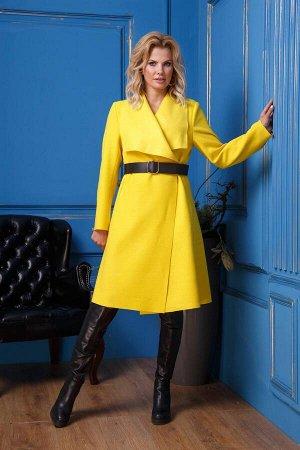 Пальто Пальто Anastasia 331  Состав ткани: ПЭ-9%; Шерсть-28%; ПАН-63%;  Рост: 164 см.  Пальто женское из пальтовой ткани, желтого цвета, прямого силуэта, без подкладки, с готовым поясом. По переду и