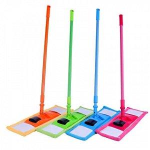 Швабра Швабра плоская с телескопической ручкой. Швабра предназначена для сухой и влажной уборки в доме. Она подходит для всех видов гладких полов из плитки, паркета, ламината и камня. Ее можно стирать