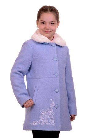 Пальто Цвет: Голубой; Материал: Вареная шерсть Утепленное пальто для девочки с вышивкой. Ткань верха - Вареная шерсть (65% шерсть + 35% п/э), подклад - 100%п/э, утеплитель синтепон 100 гр. Меховая опу