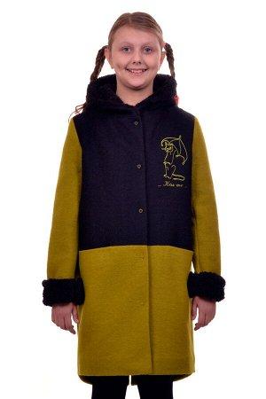 Пальто Цвет: Зеленый Материал: Вареная шерсть Описание: Утепленное пальто для девочки с вышивкой. Ткань верха - Вареная шерсть (65% шерсть + 35% п/э), подклад - 100%п/э, утеплитель синтепон 100 гр.