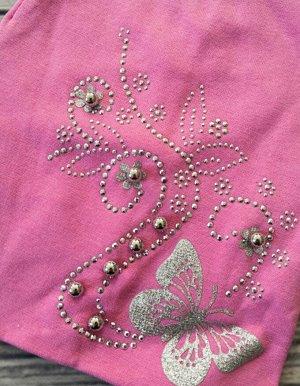 """Шапка для девочки. Цвет ярко-розовый, бабочка """"серебро"""""""