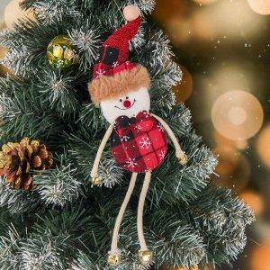 """Мягкая подвеска """"Снеговичок в клеточку - длинные ножки"""" 6*25 см, красный"""