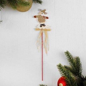 Декор на палочке «Праздничный олень»
