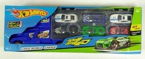 Автовоз Грузовик можно будет брать с собой куда угодно или просто прятать в него игрушки-машинки. Боковая стена кузова раскладывается в площадку. Здесь можно или парковать машинки. Внутри кабины наход