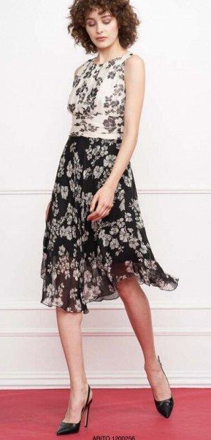 Красивое платье. Италия. 100% вискоза, 42 размер