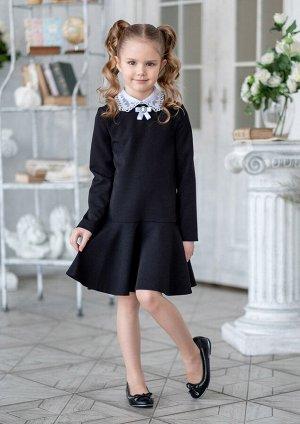Пилар Классическое школьное платье из однотонной костюмной ткани. Платье прямое, отрезное по линии бёдер. Застёжка платья по среднему шву спины на потайную молнию. Платье с втачными рукавами. Горловин